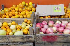 Fruit_In_Wooden_Crates_2015_ Melissa Donaghue-2949 (daisyvisionxxx) Tags: china wood pink red food orange yellow fruit wooden asia december pentax apples oranges hebei  crate ricoh crates peoplesrepublicofchina fruitmarket 2015  tangshan    hebeiprovince  tangshancity pentaxk50 melissadonaghue 12092015