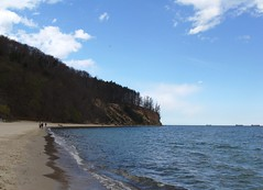 along beach... (Jonbicykle~) Tags: cliff beach poland polska  klif batyk plaa gdyniaorowo