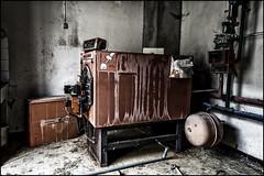 La chaufferie (BriceLahy) Tags: max abandoned danger dark nikon apocalypse machine apo sombre 1855 mad hdr usine manoir urbex interdit dchet prive proprit dtruit d3200 vr2 vrii abandon
