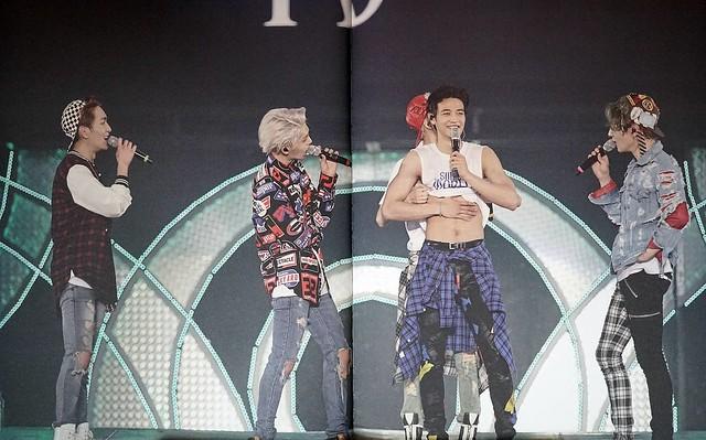 160421 SHINee @ Photobook SHINee World Concert IV 26677851326_cb622ac68d_z