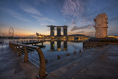 Singapore Sunrise (flowerbridge@rocketmail.com) Tags: singapore merlion mbs singaporeriver singaporeflyer marinabaysingapore