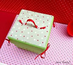 Felt explosion box...ideas for your Valentane ^_^ (Colori Preziosi) Tags: handmade handsewn feltro valentinesday tecido sanvalentino tessuto explosionbox diybox feltroepannolenci