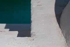 Mitades descompuestas (Sili[k]) Tags: light shadow espaa white blanco luz luces lightandshadows nikon sombra minimal minimalism sanjos minimalismo sombras almera nikonistas d3000