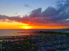 Wishing you a Happy Valentine's Day! (peggyhr) Tags: sunset marina hawaii magicisland thegalaxy 25faves peggyhr alawaiharbour level1photographyforrecreation