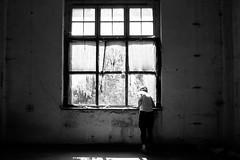 Heeresbekleidungsamt Bernau (elisachris) Tags: light shadow blackandwhite abandoned dark licht decay creepy schatten ricohgr verlassen urbex schwarzweis heeresbekleidungsamtbernau