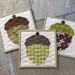Acorn Quilt Block (Modern Quilting by B) Tags: paper pattern quilt mini acorn block piece mugrug