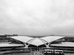 Trans World Airlines Terminal NYC (THE.ARCH) Tags: nyc newyorkcity blackandwhite bw jfk queens twa eerosaarinen newyorkny jfkairport aia150 transworldairlinesterminal