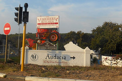 Tractor (RobW_) Tags: tractor southafrica march saturday stellenbosch westerncape 2016 audacia 05mar2016
