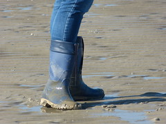Beach walk (willi2qwert) Tags: beach water girl strand women wasser wellies watt rubberboots gummistiefel wellingtons gumboots rainboots regenstiefel