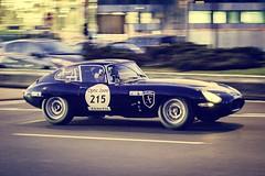 Jaguar Type E 3.8L 1963 (Tom BRETON) Tags: paris france canon vintage french eos rally racing coche jaguar oldcar 70200 rallye ancienne lightroom vigneting f4l typee 600d tourauto2016