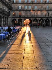 (anagarcica96) Tags: light sunset sun primavera luz sol silhouette outdoors atardecer photography spring spain couple pareja salamanca plazamayor hdr