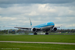 Schiphol 16-04-'16 (Mike van Houwelingen - DiverseMediaNL) Tags: cloud dutch amsterdam clouds plane airplane airport media diverse cloudy airplanes royal wolken airline planes klm schiphol bewolkt vliegtuig wolk koninklijke vliegveld koninklijk vliegtuigen maatschappij luchtvaart diversemedia diversemedianl rt160416 schiphol16042016