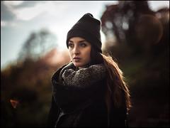 * (derlevi) Tags: light portrait woman girl flare