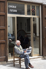 Nard, piazza Salandra (toni.mottura) Tags: street photography place vieux circolo anziano nard piazzasalandra