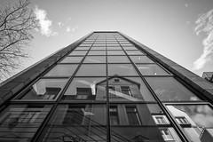 (# mapoid) Tags: blackandwhite bw architecture architektur sw fujifilm schwarzundweis fujixe2 samyang12mm