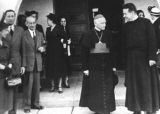 11. Visita del Cardenal Caro al Hogar