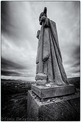 Statue of St.Patrick... (Tony Brierton) Tags: statue coins prayer wish downpatrickhead offerings alms comayo 15416