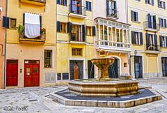 Placa de Sant Jeroni (Palma) (CatiPerell) Tags: plaza fuente mallorca palma hdr baleares plaa palmademallorca balearicislands balears cascoantiguo islasbaleares cascantic