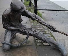 LINESMAN BY DONY MC MANUS [DUBLIN DOCKLANDS]-110871 (infomatique) Tags: sculpture art publicart urbanculture linesman streetsofdublin infomatique donymcmanus zozimuz christbavkintoculture