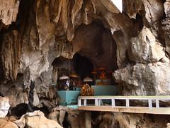 kampot (mrcharly) Tags: temple pagoda asia cambodia caves kampot cambodja kampuchea phnomchisor