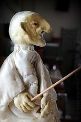 DE KALE TOVENAAR || THE BALD WIZARD (Anne-Miek Bibbe) Tags: puppet wizard bald nederland kaal haar 2016 tovenaar handpop bibbe nieuwhaar annemiekbibbe canoneosm poppenkaspop