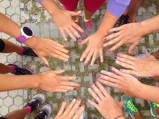 """""""Correre è volare con la mente e superare i propri limiti...ma anche condividere, sorridere, divertimento puro!"""" -Michela Fumagalli e le Women In Run di Lecco-"""