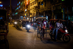 Delhi in the evening. (ariusz) Tags: eve urban india streets night dark evening delhi nighttime ciemno indiany