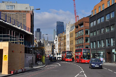 Borough High St (stevekeiretsu) Tags: bus london tower42 122lh