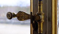 Golden latch, Palais Imperial COMPIEGNE (claude.lacourarie) Tags: castles museum golden palace musee empire second imperial napoleon palais museo chateau castillo palaces latch cottages statelyhomes oise pazo napoleoniii compiegne manors manorhouses crmone  palaiscompiegne herrenhausschlos
