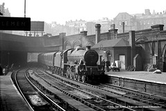 c.1959 - New Street, Birmingham. (53A Models) Tags: railroad train birmingham jubilee railway steam bombay locomotive passenger westmidlands newstreet lms 460 britishrailways stanier 45576 thedevonian 6p5f
