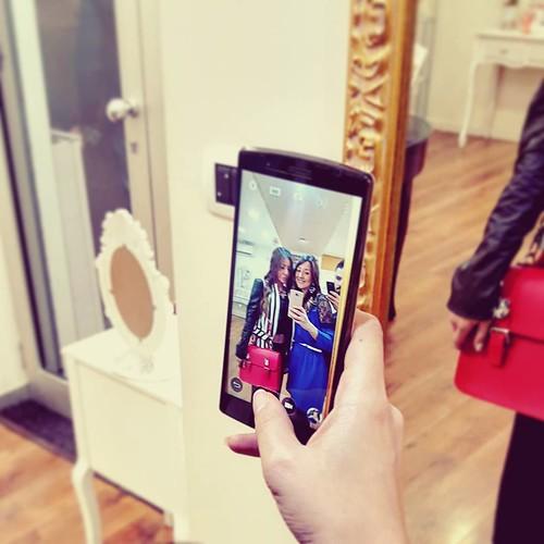 #selfies #today #showroom #work #family #love #scattirubati #picoftheday #store #younique #accessori #personalizzati #madeinitaly #handmade #aversa #hair #amazing #girls #bag #jewelsbag #necklaces #unici #dress #leather @ornella_younique