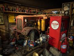 Vintage Farm Technology (spline_splinson) Tags: tractor de deutschland rust traktor transportation antiquetractor oldtechnology deutz oldtractor badenwrttemberg vintagefarmequipment uhldingenmhlhofen essolub