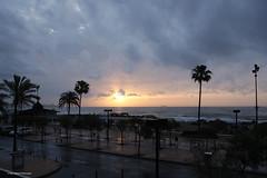 Opkomende zon op dinsdag 19 april 2016 (Albert y Mara) Tags: playa costadelsol fuengirola zonsopkomst losboliches opkomendezon