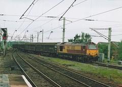 "English Welsh & Scottish Railways Class 67, 67025 (37190 ""Dalzell"") Tags: valencia warrington gm skip alstom generalmotors ews bankquay class67 maroongold englishwelshscottishrailways 67025"