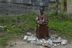 statue de St Am (bulbocode909) Tags: suisse statues vert printemps valais stmaurice stam chapelleduscex