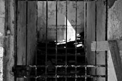(omarpappi) Tags: blackandwhite bw blancoynegro monochrome 35mm mono monocromo blackwhite nikon noiretblanc minimal minimalismo biancoenero monocrome nikond300 nikonflickraward minimalbw minimalistbw minimalismobw