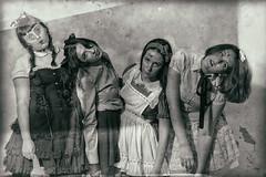 Literatura Rusa (Mathias Bra) Tags: halloween retrato mujeres virado