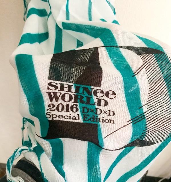 160430 Goods de 'SHINee World 2016 DxDxD' - Versión Domos 26755244875_d81ab83b20_z