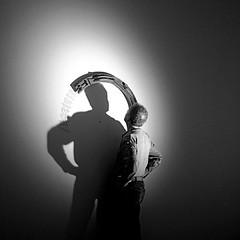 Mimmo (marco_diquattro) Tags: people arte ombre scultore scultura mimmo castiglioncello equinozio arcosolare mimmodicesare