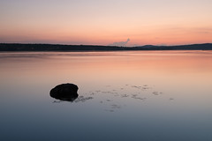 Siljan summer night (- David Olsson -) Tags: sunset summer lake seascape nature water rock stone landscape evening still nikon quiet sundown sweden outdoor relaxing tranquility august calm simplicity late fx simple grad dalarna tranquil vr sommar d800 augusti siljan 1635 orangeglow 2015 1635mm leksand gnd lugnt leefilters davidolsson 06hard 1635vr leksandstrand