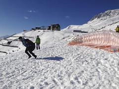 Gleitschirmfliegen-Winter-Aletsch-Arena-9-Kaja-Gensetter (aletscharena) Tags: schweiz wallis ch aletschgletscher gleitschirm unescowelterbe fiesch gleitschirmfliegen aletscharena aletscharenach