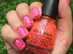 Let the beat drop - China Glaze (Daniela Mayumi M.) Tags: nail nails nailpolish unhas unha esmaltes esmalte naillacquer chinaglaze letthebeatdrop