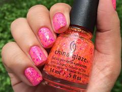 Let the beat drop - China Glaze (Daniela Mayumi M.) Tags: nail nails nailpolish unhas unha esmaltes esmalte naillacquer chinaglaze letthebeatdrop