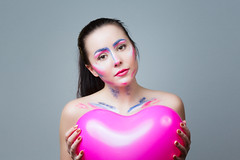 Will you take my heart? (Barry_Madden) Tags: woman portraits heart balloon longhair makeup finnish youngwoman darkhair juliah finnishgirl portraits2016