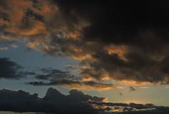 l'inconnu (laetitiablabla) Tags: sunset sky cloud france soleil poetry glory coucher ile ciel val suburb nuage banlieue marne