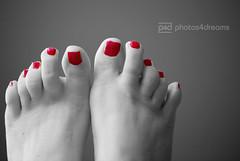 waiting for the sun (photos4dreams) Tags: feet foot petals toes nail nagellack polish selbstportrait susannah selfie zehen fus selfies summerfeet photos4dreams photos4dreamz fse p4d