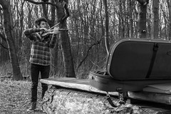 The violin and the forest... (Wessel...) Tags: people netherlands canon rotterdam nederland violin kralingen zuidholland kralingseplas