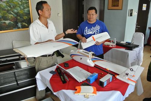 Mr. Pang Kee Yan giving briefing to James Bali