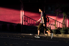 123/365 (Nico Francisco) Tags: street pink light shadow man color walking