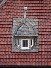 Gaube (1elf12) Tags: red rot window germany deutschland fenster slate dachziegel goslar gaube schiefer